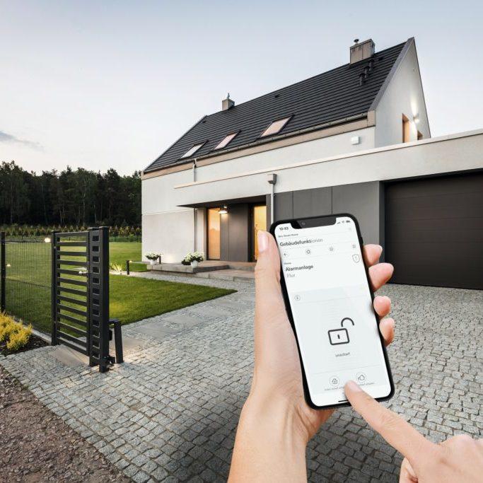 Gira-Sicherheitssystem-Alarm-Connect-02_3801_1553014515-1024x683